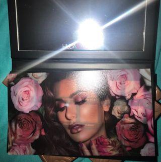 Huda Beauty Rose Gold Remastered palette