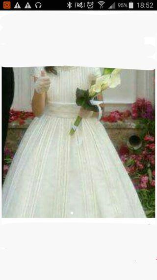 precioso y elegante vestido de comunión