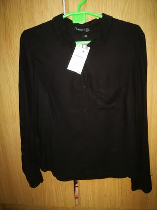 Camisa negra Bershka