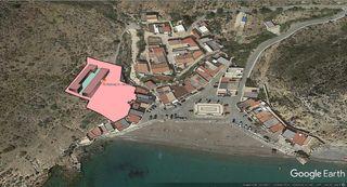 Terreno junto al mar para edificar en el Portus