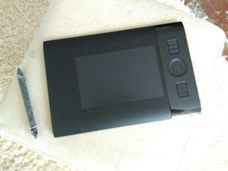 Pen tablet intuos4 Wacom sin usar