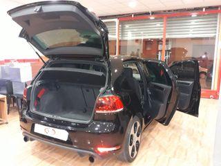 Volkswagen Golf GTI AUTO