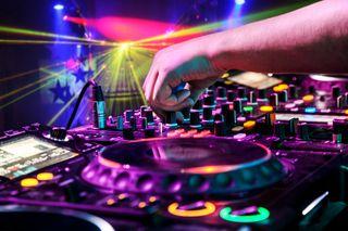 DJ Fiestas desde 80e/h, discomovil bodas