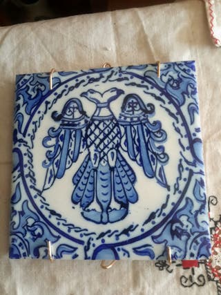 Antiguo azulejo de ceramica mide 15x15cm