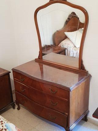 cómoda con espejo vintage