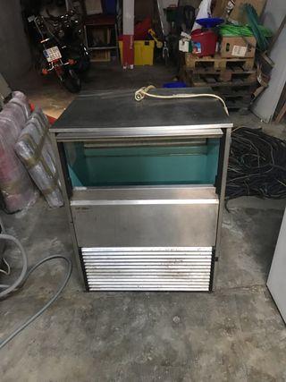 Maquina de hacer cubitos de hielo