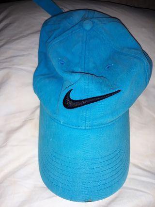 Gorra Nike.