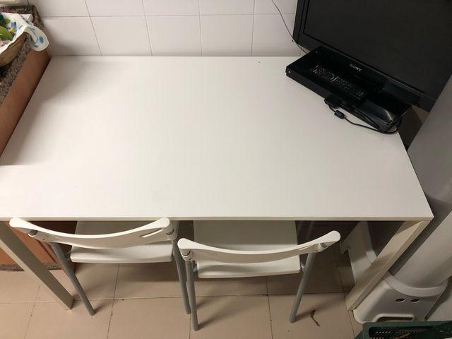 Mesa y sillas cocina blanca ikea de segunda mano por 55 € en Málaga ...