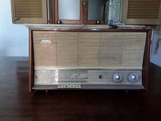 Radio antigua marca philips