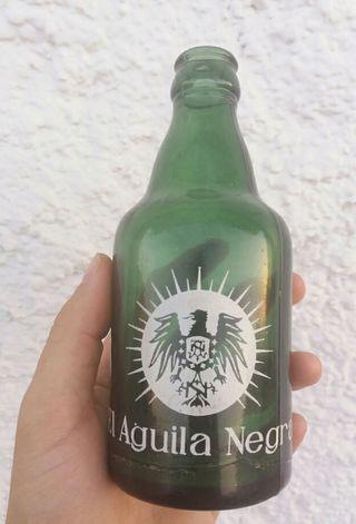 Antigua botella cerveza EL AGUILA NEGRA ASTURIAS