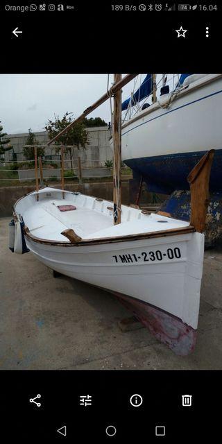 barca menorquina. llaud
