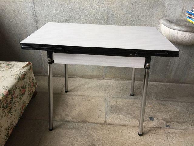 Mesa de cocina extensible de segunda mano por 100 € en Barcelona en ...