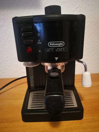 CAFETERA TIPO BAR DeLONGHI. MODELO CAFFÉ VENETO.