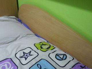 cama con cajones cómo nueva