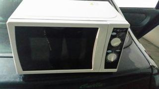 microondas poco uso.