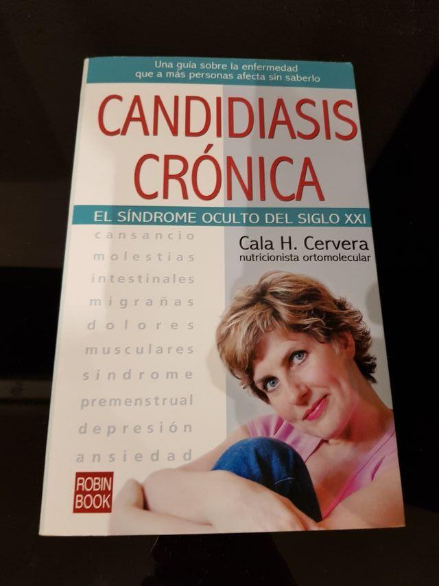 Libro Candidiasis Crónica De Cala Cervera De Segunda Mano Por 7 Eur En Málaga En Wallapop