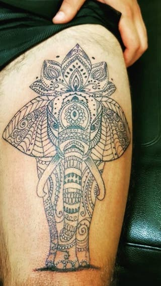 Creamos una joya identica a su tatuaje