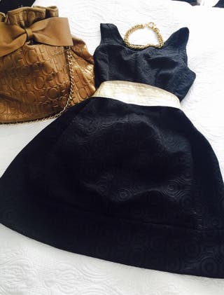 Bonito vestido negro fiesta