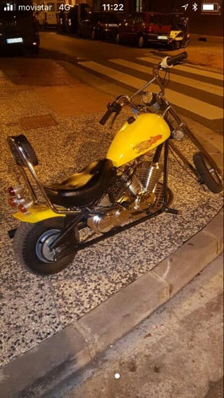 Moto mini choper amarilla única gasolina