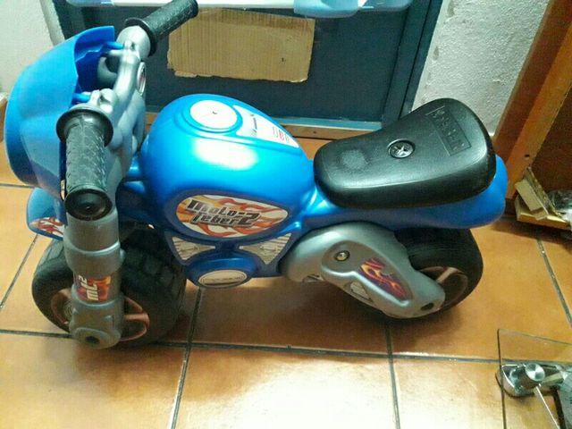Juguete moto