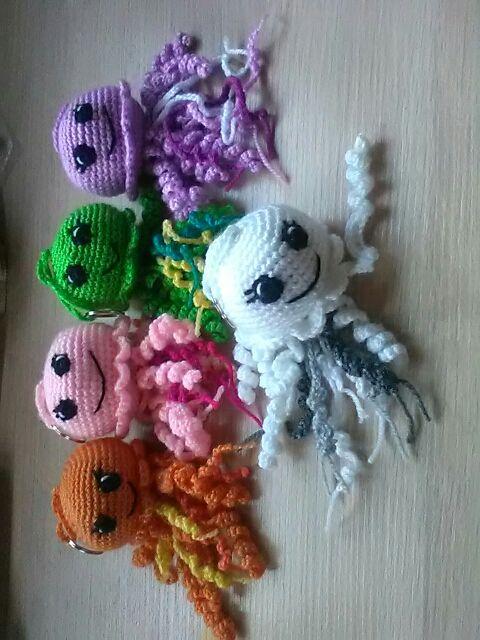 Medusa crochet doll pattern - Gathered | 640x480