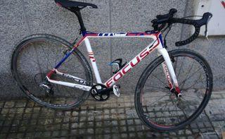 Bicicleta ciclocross/carretera carbono