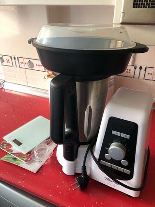 Robot de cocina + báscula