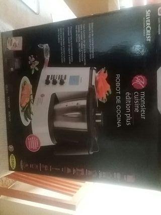 robot de cocina. thermomix monsieur cuisine