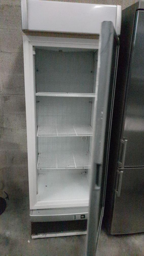Congelador de ventilación con baldas movibles