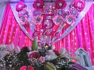 Rosas gigantes goma eva y purpurina