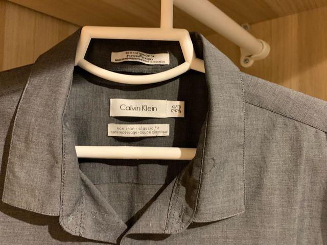 2fb10dbad41ce Camisa Calvin Klein XL de segunda mano por 25 € en Picanya en WALLAPOP