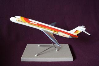 MAQUETA AVIÓN MD-87 IBERIA, AÑOS 80.