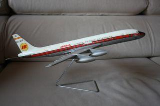 MAQUETA AVIÓN DOUGLAS DC-8 DE IBERIA