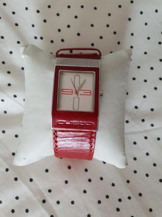Reloj rojo Custo