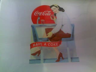 2 platos del 125 aniversario de Coca Cola
