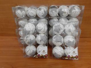 lote 10 cajas por 6 bolas Navidad .en total 60 bol