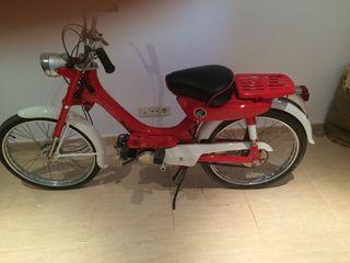 Moto clasica , totalmente restaurada