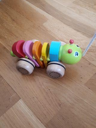 juguete de arrastre oruga