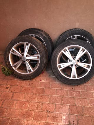 Juego 4 neumaticos invierno Lexus con llanta