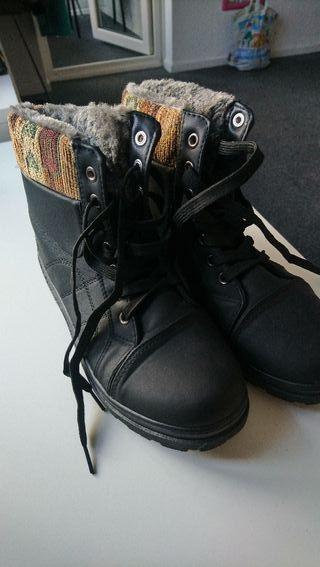 shorts boots 8UK