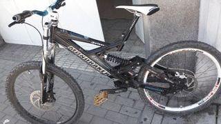 Bicicleta descenso mondraker petrol downhill