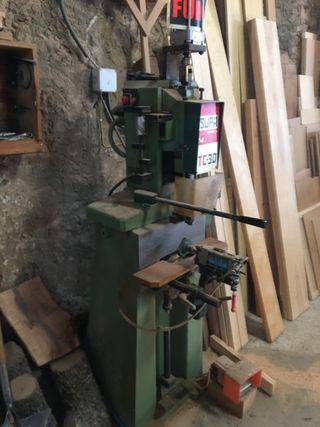 Escopleadora maquinaria carpintería. Negociable.
