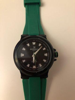 df950f5f6e68 Reloj de marca de segunda mano en Molina de Segura en WALLAPOP
