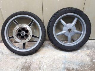 vendo ruedas completas Piaggio Liberty
