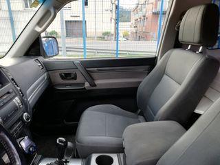 Mitsubishi Montero 2010