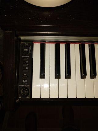 piano digital Yamaha YDP-141