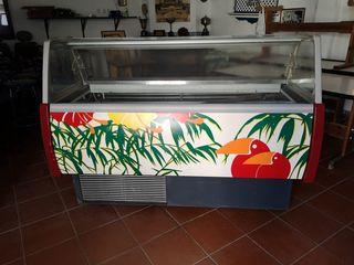 Congelador helado, carne...