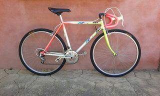 Bicicleta pequeña de carretera