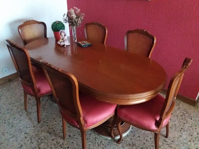 Conjunto mesa y sillas de comedor de segunda mano por 300 € en Base ...