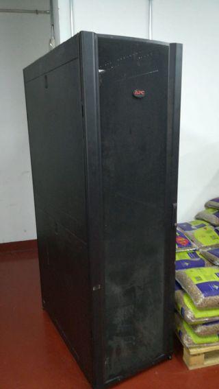 Envolvente para rack de servidor NetShelter SX 42U